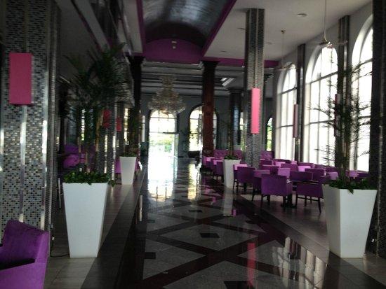 Hotel Riu Palace Mexico: Bar area