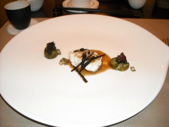 taku: Seeteufel   Rindermark   Gewürzgurke   Kaviar