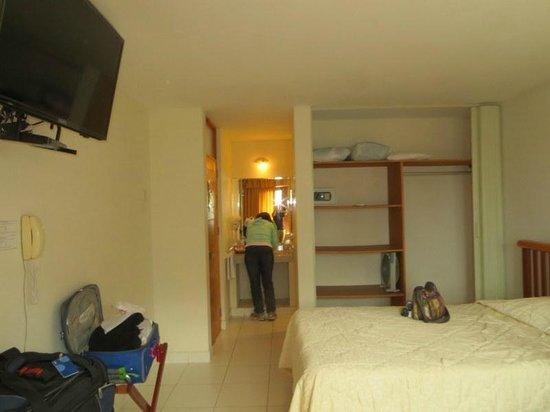 Hotel Emancipador: Room 203