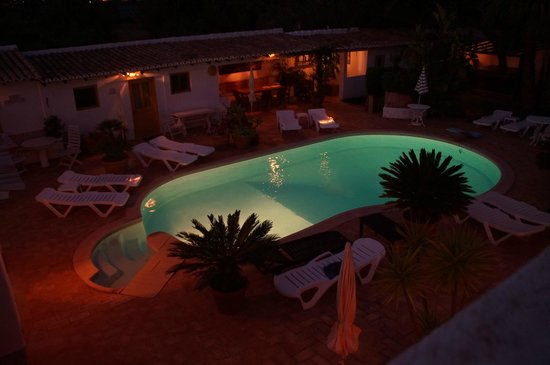 Casa Amarela : Tuin by night