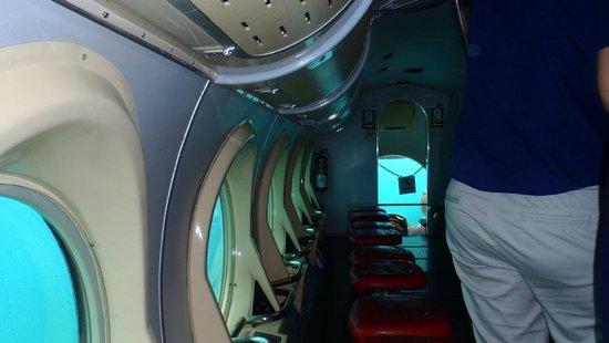 Submarine Safaris Lanzarote: Wewnątrz łodzi