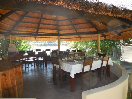 Marula Lodge : dining area