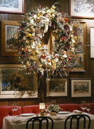 1789 Restaurant : Christmas Decorations in the dining area