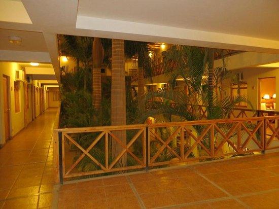 Casa Andina Classic Nasca: hotel hallway
