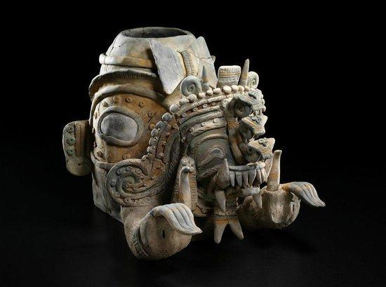 Casa del Alabado Museum of Pre-Columbian Arrt : Shaman Jama Coaque