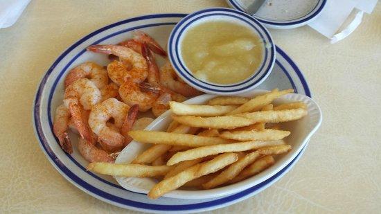 Fisherman's Wharf Restaurant: Shrimp Dinner