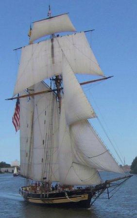 Pride of Baltimore II: Pride of Baltimore II - Bay City, MI - Parade of Sails - 2013