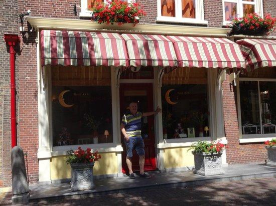 Hotel de Emauspoort: Front of Hotel