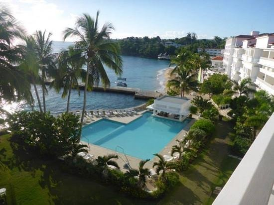 Couples Tower Isle: swim up pool