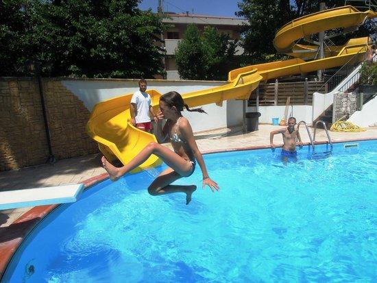 Hotel Fabrizio: piscina