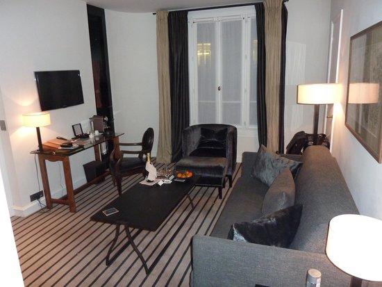 Hotel Montalembert : Living room