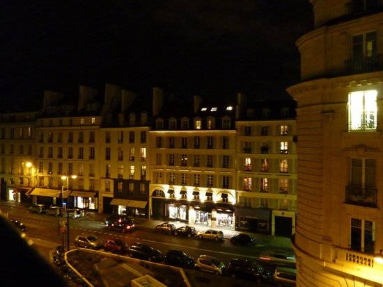 Hotel Montalembert : Night view from room