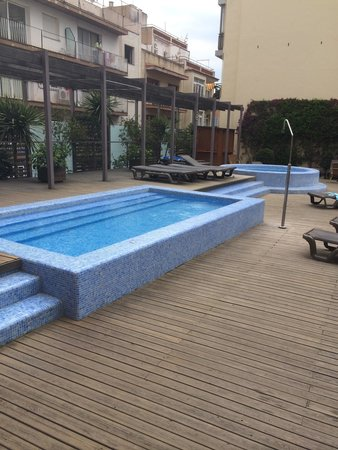 Alegria Plaza Paris: Jacuzzi area