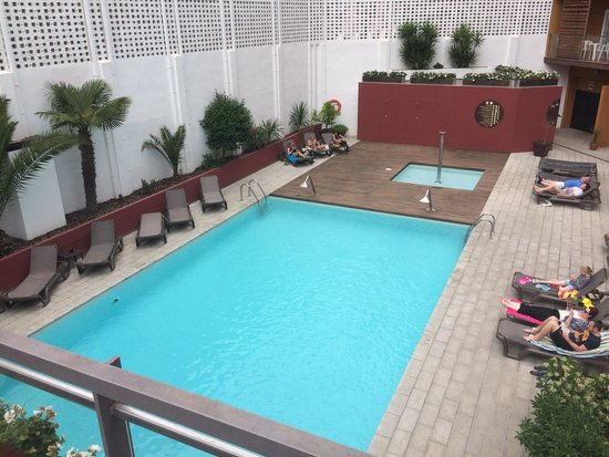 FERGUS Style Plaza Paris Spa: Pool