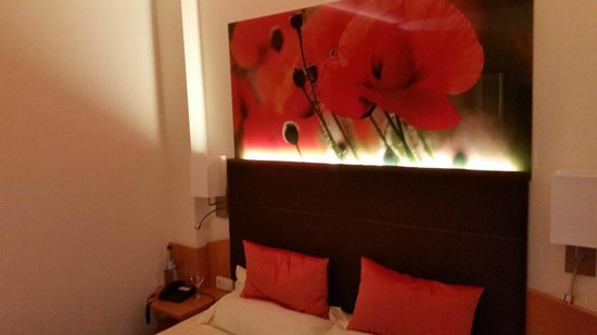 Thermenhotel Vier Jahreszeiten: Zimmer Mohnblume