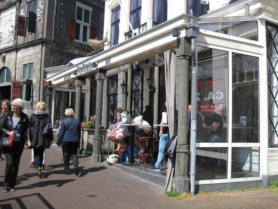 Brasserie Bar de Zalm : Outside sitting