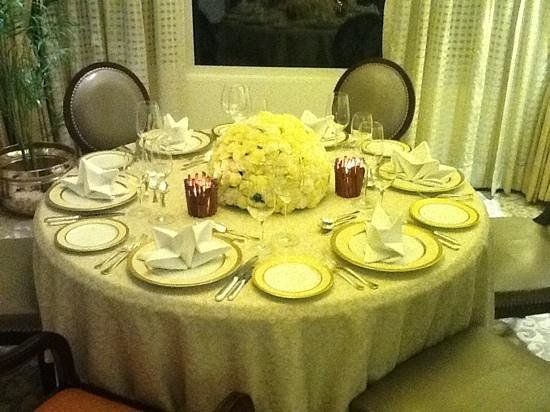 Taj Bengal Kolkata: dinning room Presidentiel Suite