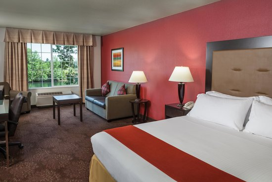 Holiday Inn Express Corvallis: King Guest Room