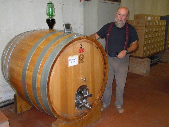 Agriturismo Podere Lamberto: wijnkelder