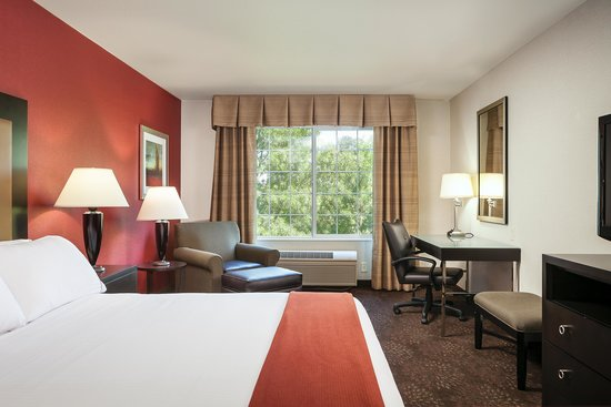 Holiday Inn Express Corvallis: King Riverview