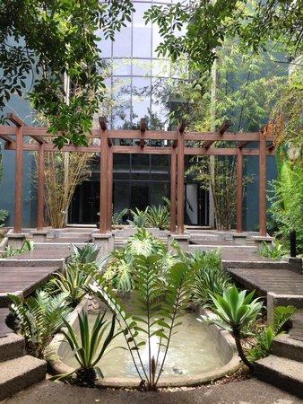 Radisson Hotel San José Costa Rica: Fachada interior, arquitectura muy agradable