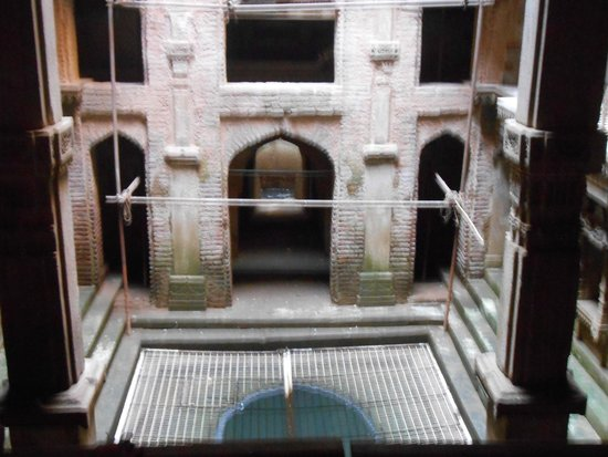 Adalaj Step-well: Adlej Step Well