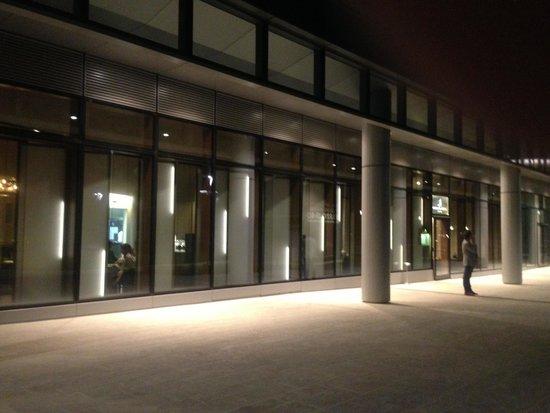 Ristorante Berton : Street view ( by night )