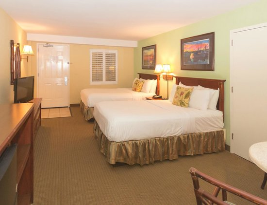 The Palms Oceanfront Hotel: Interior Double Guestroom
