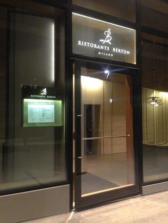 Ristorante Berton : Outside ( entrance )