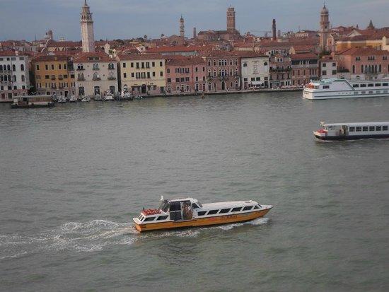 Hilton Molino Stucky Venice Hotel: Hilton Shuttle