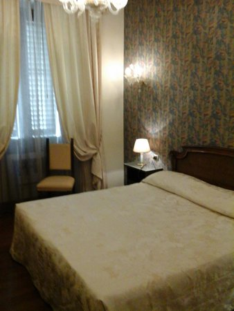 De Rose Palace Hotel: Large room