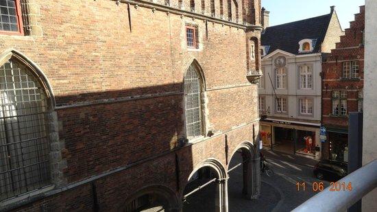 Martin's Brugge: Belfry view from room window