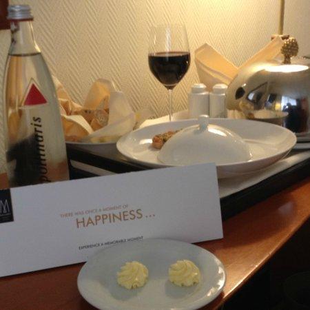 Savigny Hotel Frankfurt City: hervorragende Speisen aufs Zimmer lassen