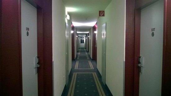 Mercure Salzburg City: corridoio