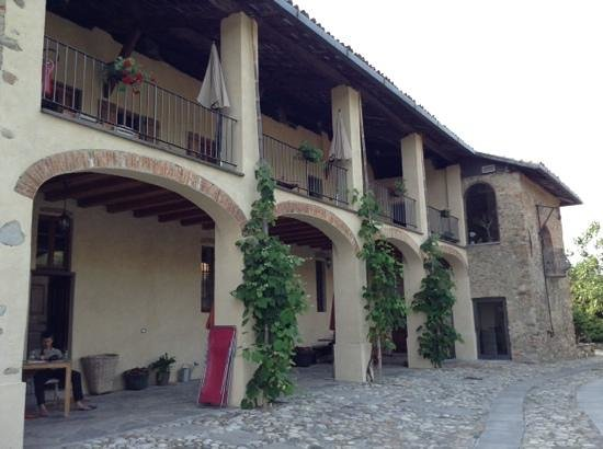 Cascina Rodiani - Green Hospitality: Outside the main hotel