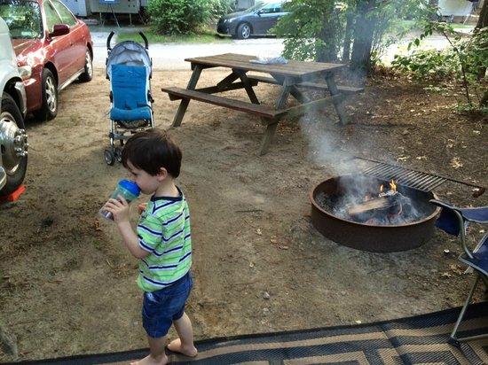 Peters Pond RV Resort: Evening Fire
