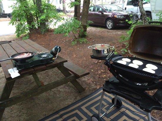 Peters Pond RV Resort: Breakfast
