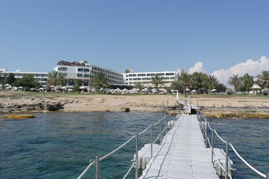 Constantinou Bros Athena Royal Beach Hotel: view of the hotel