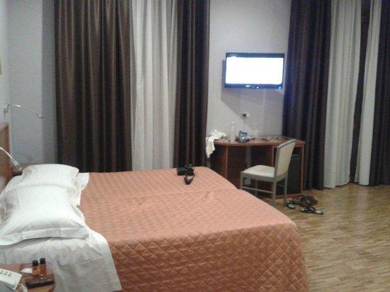 Orcagna Hotel: Кровать