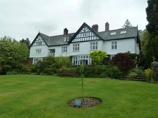 Lindeth Howe Country House Hotel: Beautiful house and grounds