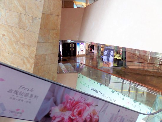 Langham Place : View from the escalator. This mall has numerous floors.