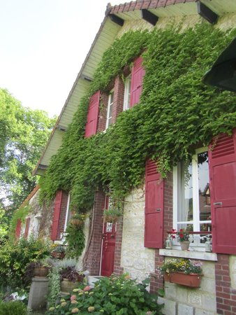 Les Jardins d'Helene: Exterior view