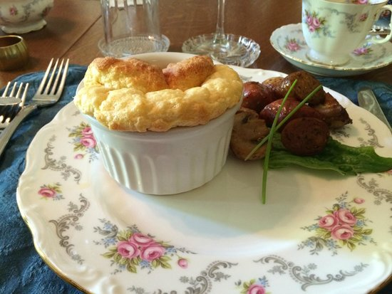Albion Manor Bed and Breakfast: Cheese soufle