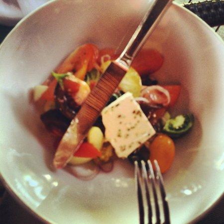 Kurumba Maldives : салат на обед