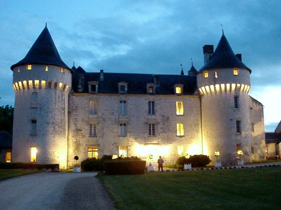 Château de Marçay  : Beautiful night scene