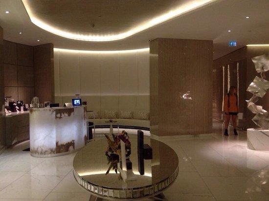 Espa Life at Corinthia: The reception area!