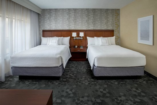 Courtyard by Marriott Boston Andover: Renovated Guestroom