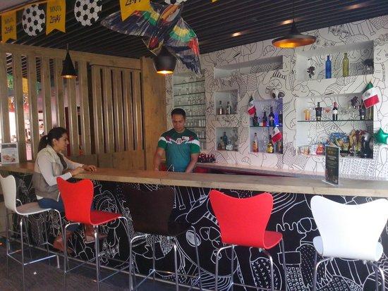 Ibis Guadalajara Expo: Bar