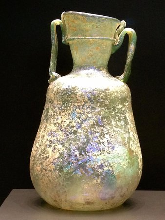 The Getty Villa: Exquisite ancient glassware