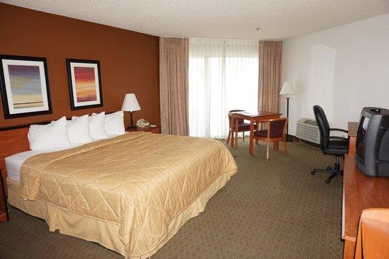 Quality Inn: chambre